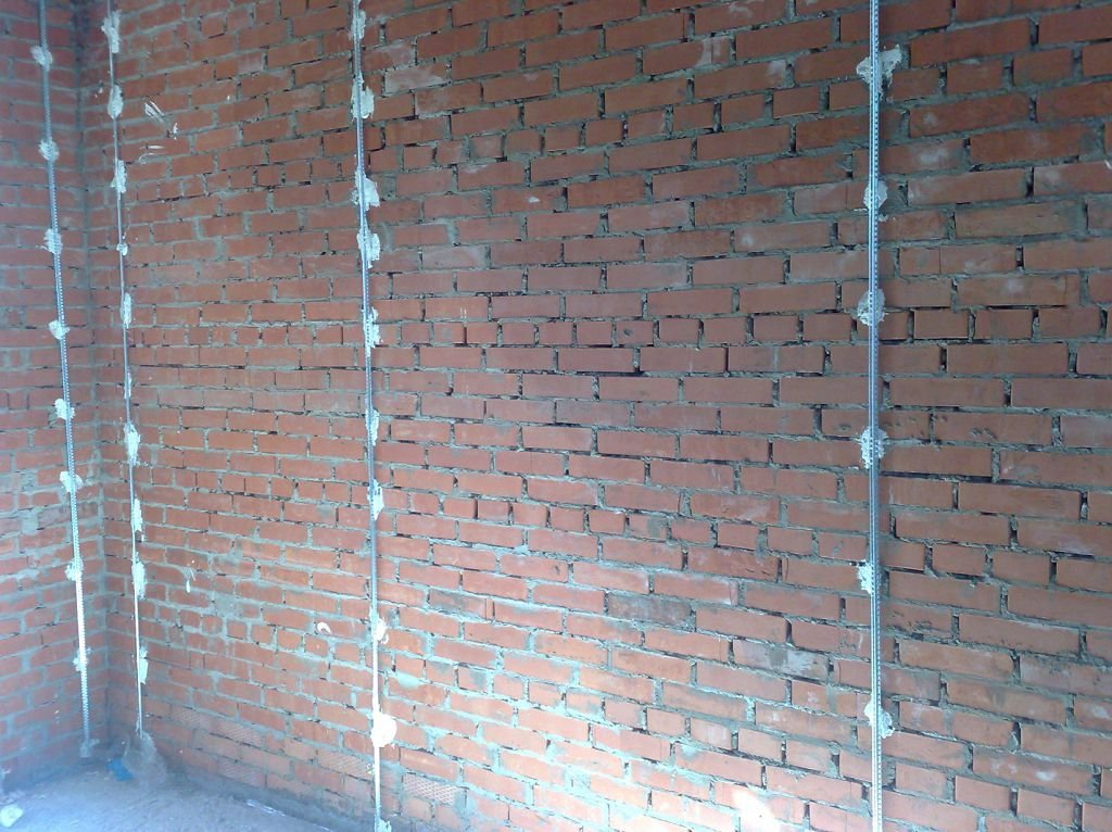 Выравнивание стены штукатуркой своими руками 829