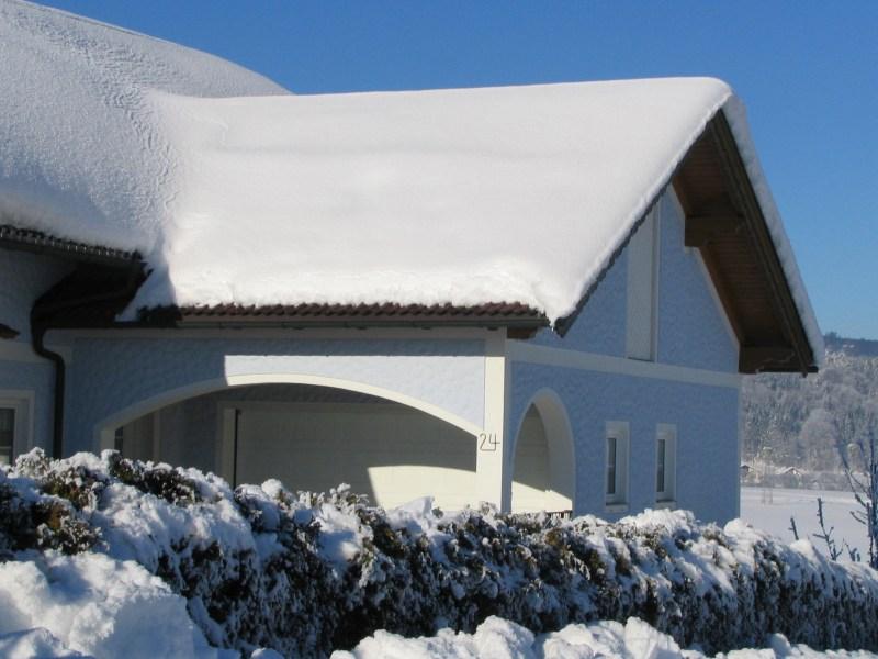Крыша должна выдерживать отрицательные температуры и слой снега