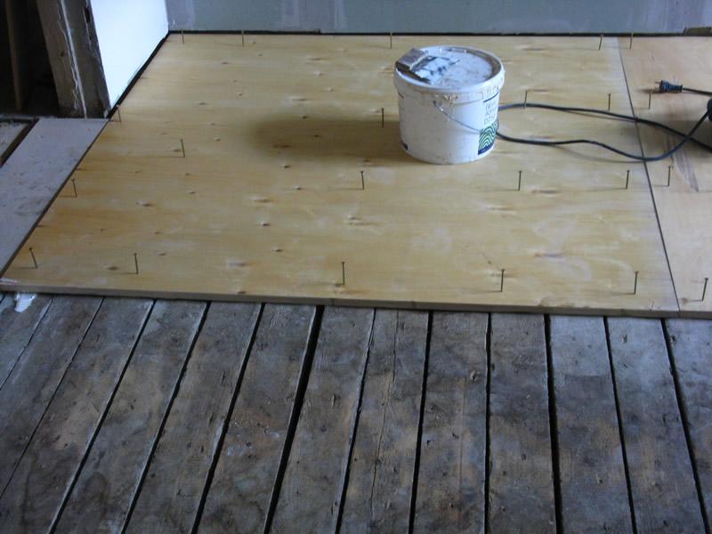 Укладываем дсп на деревянный пол под ламинат